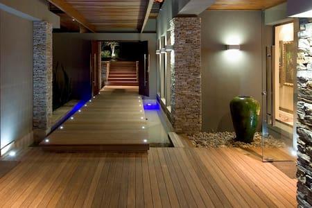 Zimbali Luxury suite in Horsewood - Dolphin Coast - Hus