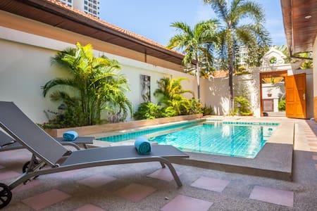 Dasiri Private Beach Pool Villa 40 - Muang Pattaya - Villa