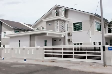 Weston Residence Comfort Stay - Rumah