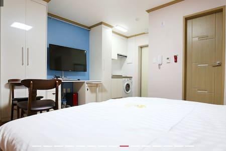 [대전역, 한밭운동장 인근] 크리스탈 레지던스 - Apartment