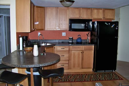Standley Lake Bungalow - Arvada - Guesthouse