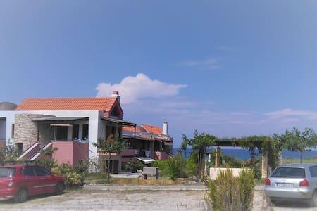 Beach maisonnette, Gavriadia beach, Ierissos - Apartemen