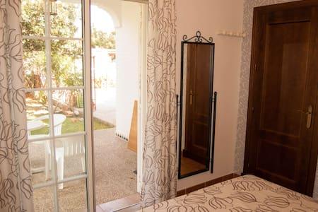 Wonderful room. Private full bathroom. - Chiclana de la Frontera - Xalet