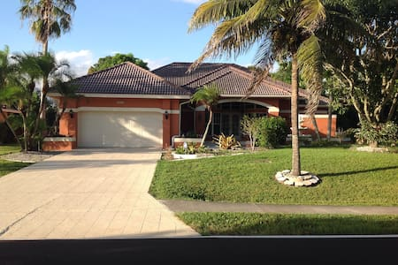 The Noble Comfort - Cape Coral - House