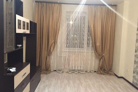 Новенькая квартира с евроремонтом! - Tambov - Appartement