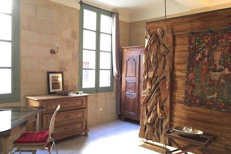 Studio, 1 mn de la Place aux Herbes - Apartment