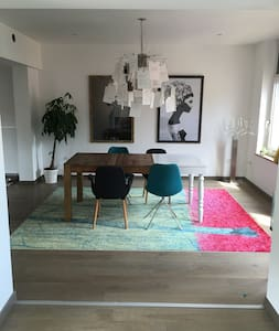 Rooms to rent in Design house - 3 chambres dispo - House