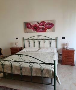 Stanza matrimoniale in b&b - Reggio calabria - Bed & Breakfast