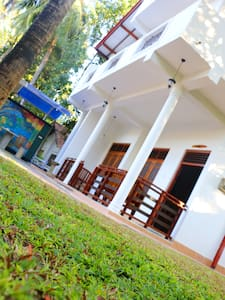 The col Nest Yala - Guesthouse