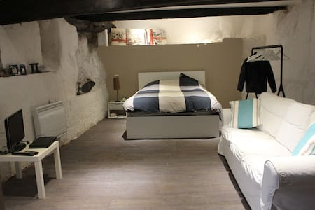 45m2 Old town Villefranche/Mer with Bathroom - Radhus