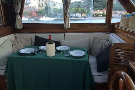 Sleep in a beautiful boat on the river Magra - Ameglia - Bateau