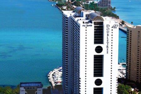 Cozy Miami Condo 10min to all - 아파트(콘도미니엄)
