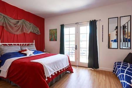 2bdrm FUNHOUSE!  Casino / Vineyards - Appartamento