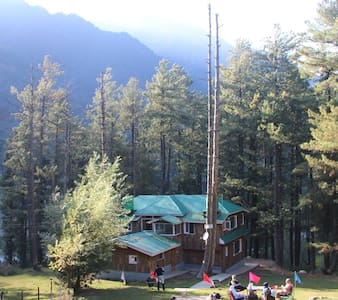 Breeze Wood Cottage - Pashmina Room - Pahalgam - Cabaña