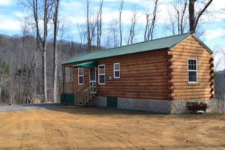 NEW LOG CABIN*REMOTE*MOUNTAIN TOP - Cabin