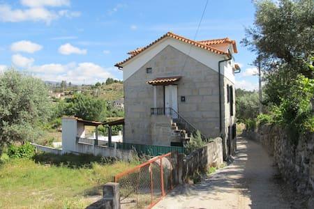 Casa rústica e confortável na Serra - Gouveia
