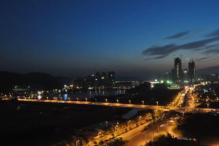 小周家.小居(能看到最美的夕阳、湖景) - Apartamento