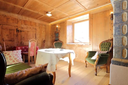 Family room for 5 people in Ziano - Bed & Breakfast