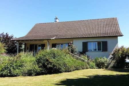 Familienfreundliches Haus mit Blick auf Bodensee - Talo
