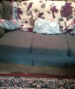 Comfy couch. Large.cheap. - Marlin - Huis