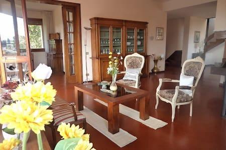 Villa Edera big space 260 Sq.m with nice view. - Mercatale In Val di Pesa - Villa