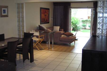 Very spacious, luxurious, fully furn 2bed 2bath - Apartment