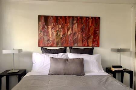 Private Room with balcony - Kapstaden