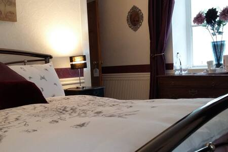 Double ensuite B&B room in Drumnadrochit Loch Ness - Bed & Breakfast