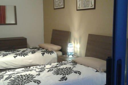 2 single beds in Zurrieq, Malta - Iż-Żurrieq - Apartamento