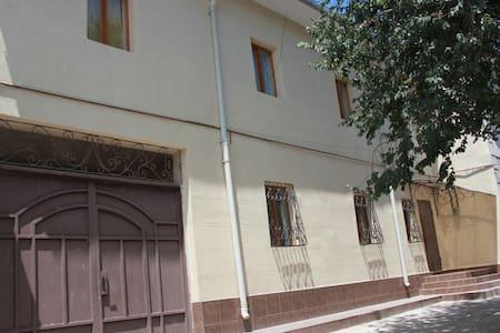 Oazis Grant guest house - Tashkent - Bed & Breakfast