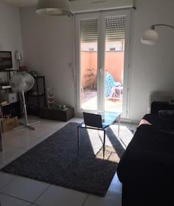 Appartement avec cour vignoble du Médoc - Margaux