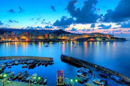 The Gozo Breeze - Żebbuġ