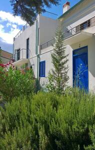 Bio-land between mountains and sea - garden relax - Sant'Andrea Apostolo dello Ionio - Haus