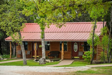 Cabin Rental 10 minutes from Baylor