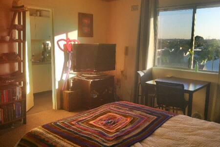Studio Apartment in the heart of Newtown - Apartament