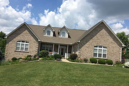Home Away From Home In Northern KY - Single BR - Dry Ridge - Hus