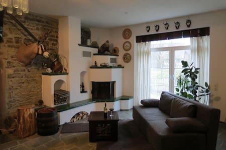 Wildererstube, Urlaub und Jagen - Schefflenz - Apartamento