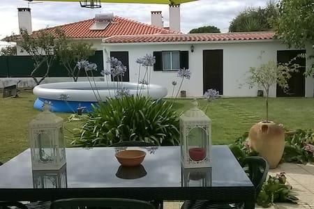 Casa com amplo jardim - Lagoa de Albufeira - Casa