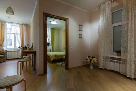 Apartment - center of St.Petersburg - Sankt-Peterburg - Wohnung