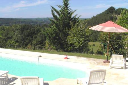 Périgord Quiet house 3*** with pool - House