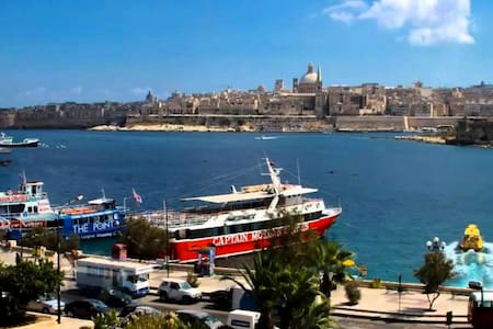Sliema Central Best location - Daire