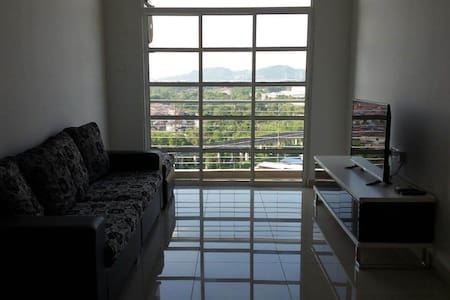 Cosy Family Apartment 10 min to LEGOLAND - Gelang Patah