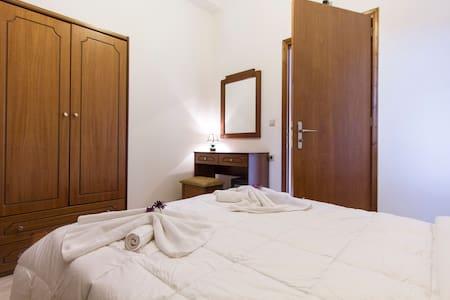 Double Room & Free Breakfast, Kaliviani, Falasarna - Lägenhet