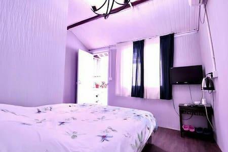 西塘古镇景区内阳台大床房 - Jiaxing Shi - Bed & Breakfast