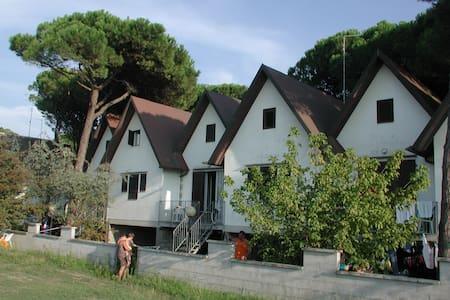 DA CASA AL MARE A PIEDI NUDI - Townhouse