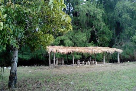 Casa Campestre: 3000 m2 y 60 m de rio! - Haus