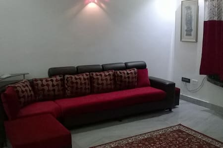 Salt Lake | 3 BHK | AC | Free Wifi - Kolkata - Flat
