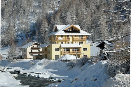 Two-bed (sleeps 6) ski apartment in the Tyrol - Soelden - Appartement