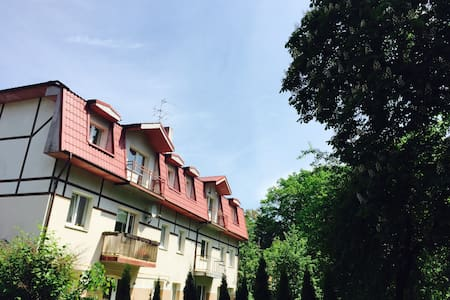 Светлая двухкомнатная квартира недалеко от моря - Svetlogorsk - Daire