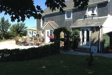 Beautiful Detached House, 360 degrees views - Rumah